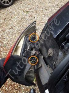 Démonter optique arrière - Audi A4 B6 - Tutovoiture