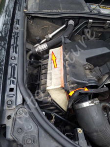 Sortir Filtre à air - Audi A4 B6 - Tutovoiture