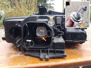 Sortir ampoule de croisement Audi A4 B6 - Tutovoiture