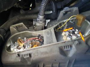 Débrancher ampoule phare - Renault Espace 3 phase 1 - Tuto voiture