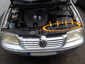 Fixation du cache avant droit Volkswagen Bora - Tutovoiture