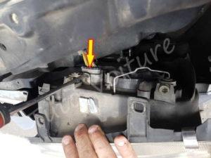 Débrancher optique avant Sortir bloc feux avant Volkswagen Bora - Tutovoiture