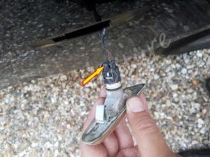 Débrancher clignotant lateral BMW E60 série 5 - Tutovoiture