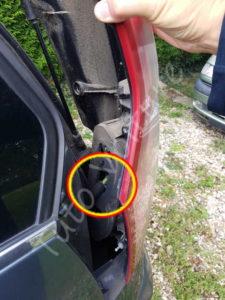Enlever sortir optique feux arrière - Citroën C4 Picasso - Tutovoiture