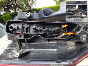 Débrancher platine optique feux arrière - Citroën C4 Picasso - Tutovoiture