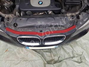 Baguette joint capot - BMW série 5 E60 - Tuto voiture