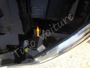 Ouvrir compartiment ampoule feu phare veilleuse - Citroën DS3 - Tuto voiture