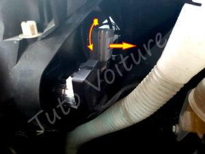 Retirer ampoule feux croisement Xénon - Citroën C4 Picasso - Tuto voiture
