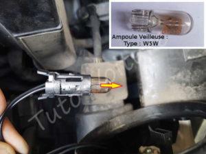 Changer ampoule feu veilleuse - Citroën DS3 - Tuto voiture