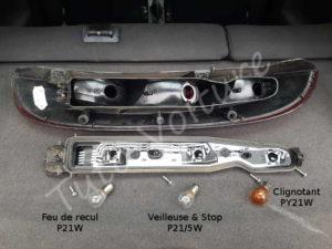 Remplacer ampoule support ampoule feux arrière - Opel Corsa C - Tutovoiture
