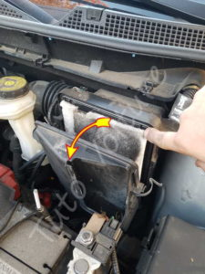 Remplacer le filtre à air - Renault Kadjar - Tutovoiture