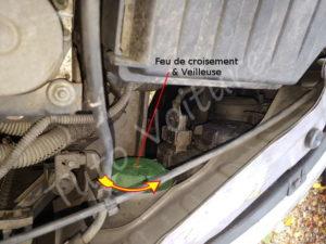 Ouvrir capot ampoule feux de code et position - Opel Corsa C - Tuto voiture