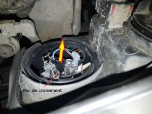 Retirer son ampoule code - Opel Corsa C - Tutovoiture