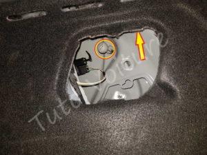 Vis du bloc feux arrière - Renault Megane 3 - Tutovoiture