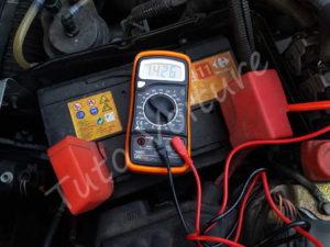 Vérifier la tension de la batterie - Tutovoiture