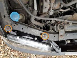 Visserie du bloc feux avant - Toyota Avensis 1 - Tutovoiture