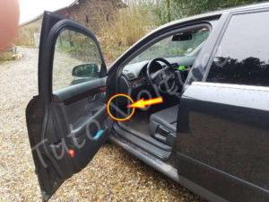 Audi-A4-manette-capot-00