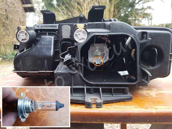 Changer ampoule croisement Audi A4 B6 - Tutovoiture