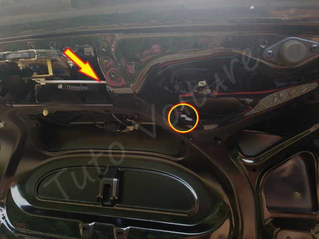 Coffre probl me de fermeture de mon audi a4 tuto voiture - Moteur de verrouillage de porte de voiture ...