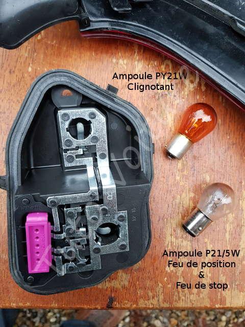 ampoule et bloc feux arri re d 39 une renault m gane comment les changer tuto voiture. Black Bedroom Furniture Sets. Home Design Ideas