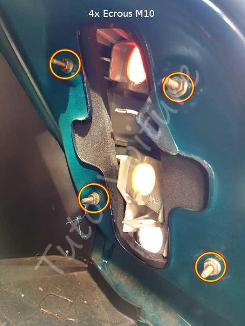 ampoule et bloc feux arri re d 39 une ford fiesta comment les changer tuto voiture. Black Bedroom Furniture Sets. Home Design Ideas