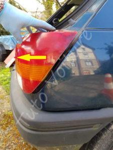 Dépose optique arrière - Ford Fiesta 3 - Tuto voiture