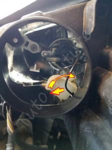Changer l'ampoule veilleuse phare & veilleuse - Volkswagen Tiguan - Tutovoiture