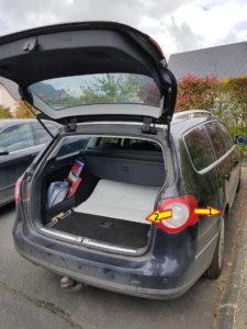 Retirer bloc arrière éclairage - Volkswagen Passat B6 - Tutovoiture