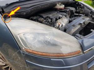 Emplacement du pion de l'optique avant - Citroën C4 Picasso - Tutovoiture