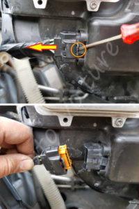 Déconnection de la fiche du phare avant - Citroën C4 Picasso - Tutovoiture