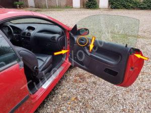 Répérer les fixations de la garniture de porte - Peugeot 206