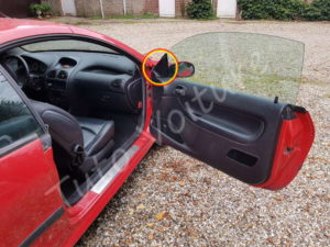 Dépose cache du retroviseur extérieur - Peugeot 206 - Tutovoiture