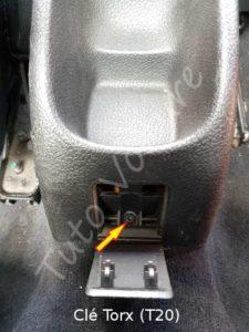 Vis de maintien cache du frein à main - Peugeot 206cc - Tuto voiture