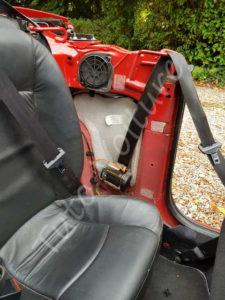 Accés a l'haut parleur arrière- Peugeot 206cc- Tutovoiture