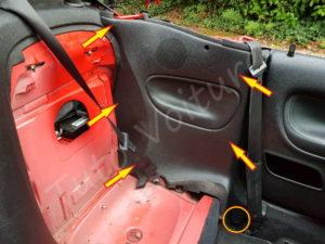 Position des fixations du cache lateral arrière - Peugeot 206cc - Tutovoiture