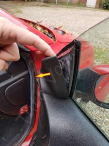 Enlever le cache intèrieur du retroviseur - Peugeot 206 - Tutovoiture