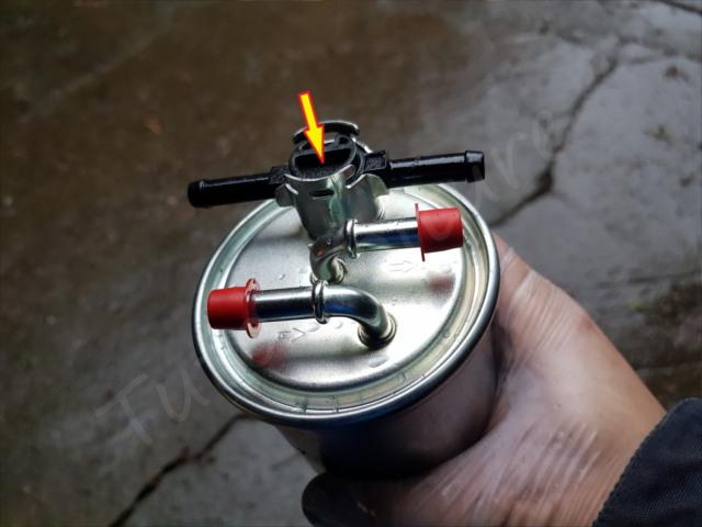 remplacer filtre à gasoil audi A4 B6
