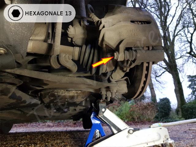 Déserrer la vis de l'étrier Citroën DS3