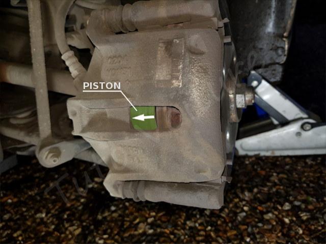 libérer l'étrier de frein Citroën DS3