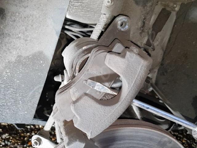utiliser un tournevis pour repousser piston de frein