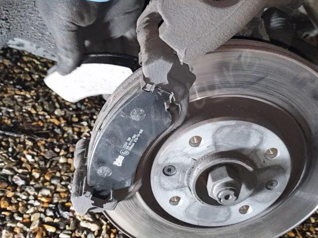 Pose plaquettes de frein Citroën DS3