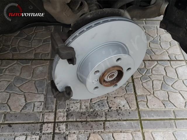 Comment remplacer ses disques de frein BMW 3 F30