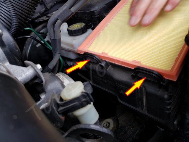 Remplacement filtre à air - Renault Laguna 2