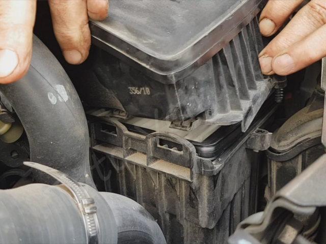 changer Filtre à air - Renault Twingo