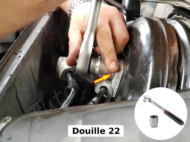 Retirer le maitre cylindre audi A4 B6