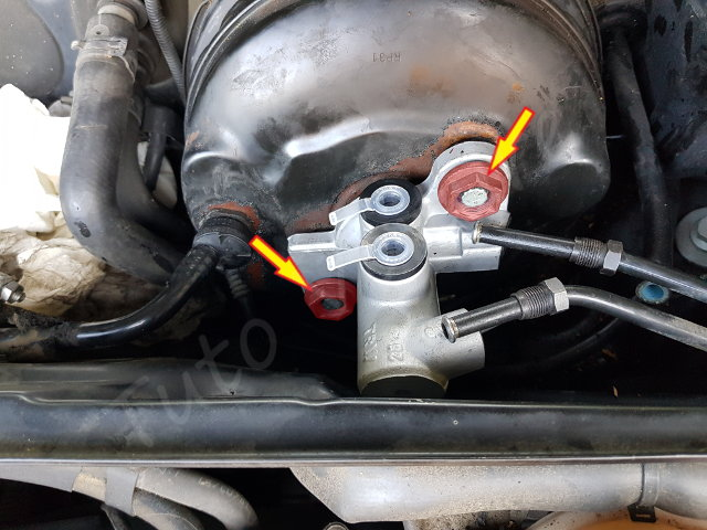 Montage maitre cylindre audi A4 B6