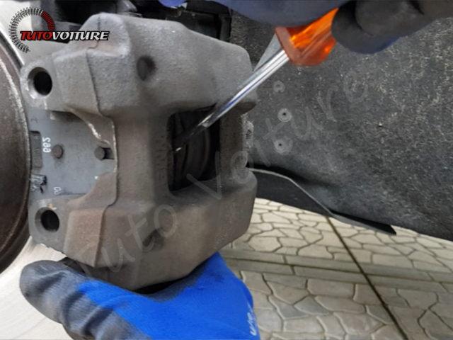 11-retirer-roue-arriere-bmw-f30