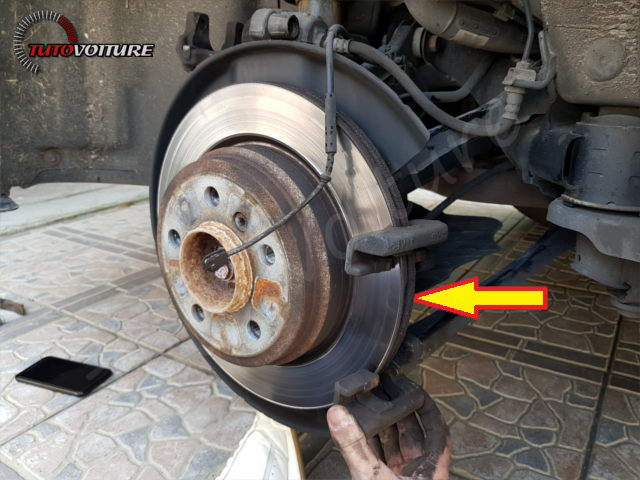 15-retirer-roue-arriere-bmw-f30