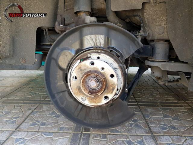 21-retirer-roue-arriere-bmw-f30