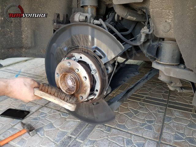 22-retirer-roue-arriere-bmw-f30